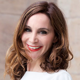 Dr. Anabel Ternes